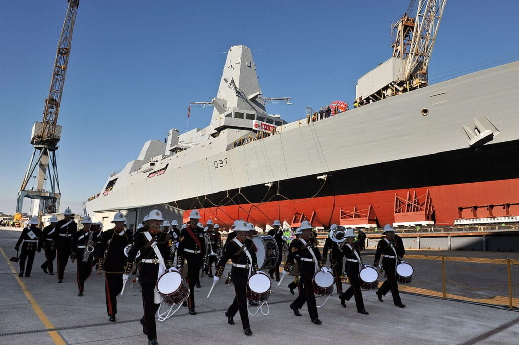 St Vincent & the Grenadines receives aid from British Royal Navy